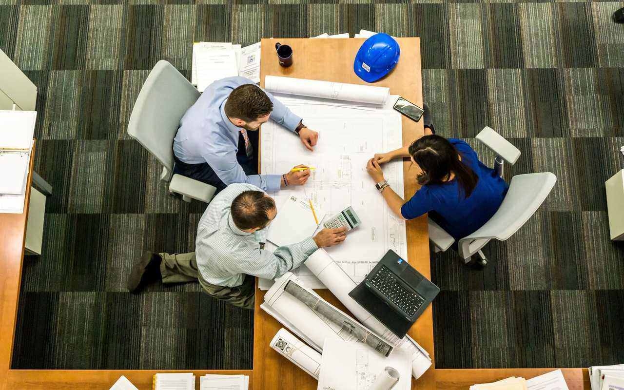Why should you pursue a business management course