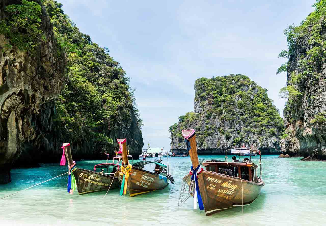 place to visit in phuket