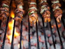 cast iron vs stainless steel grill