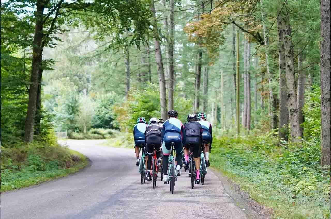 e-cycling tour