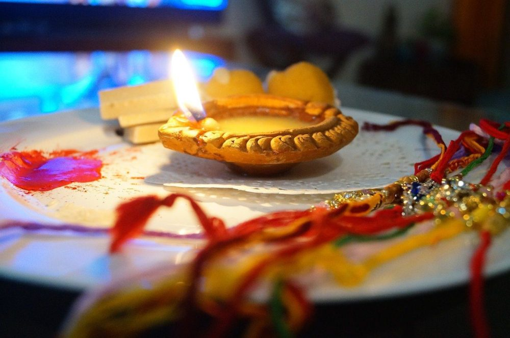 Rakhi Gift Online / 1