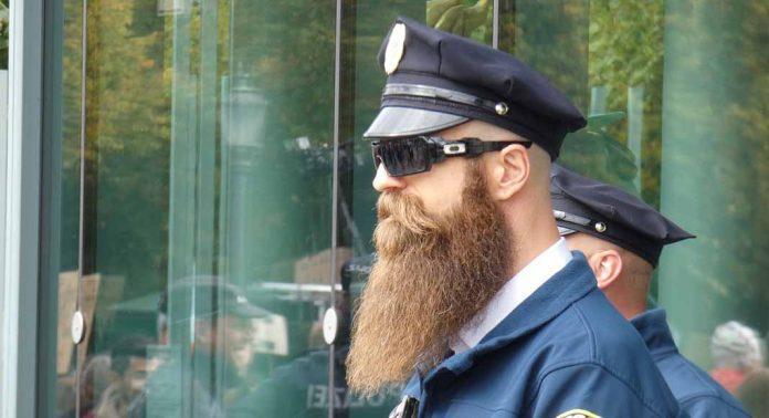 एक पुलिस जासूस के लिए आवश्यक गुण