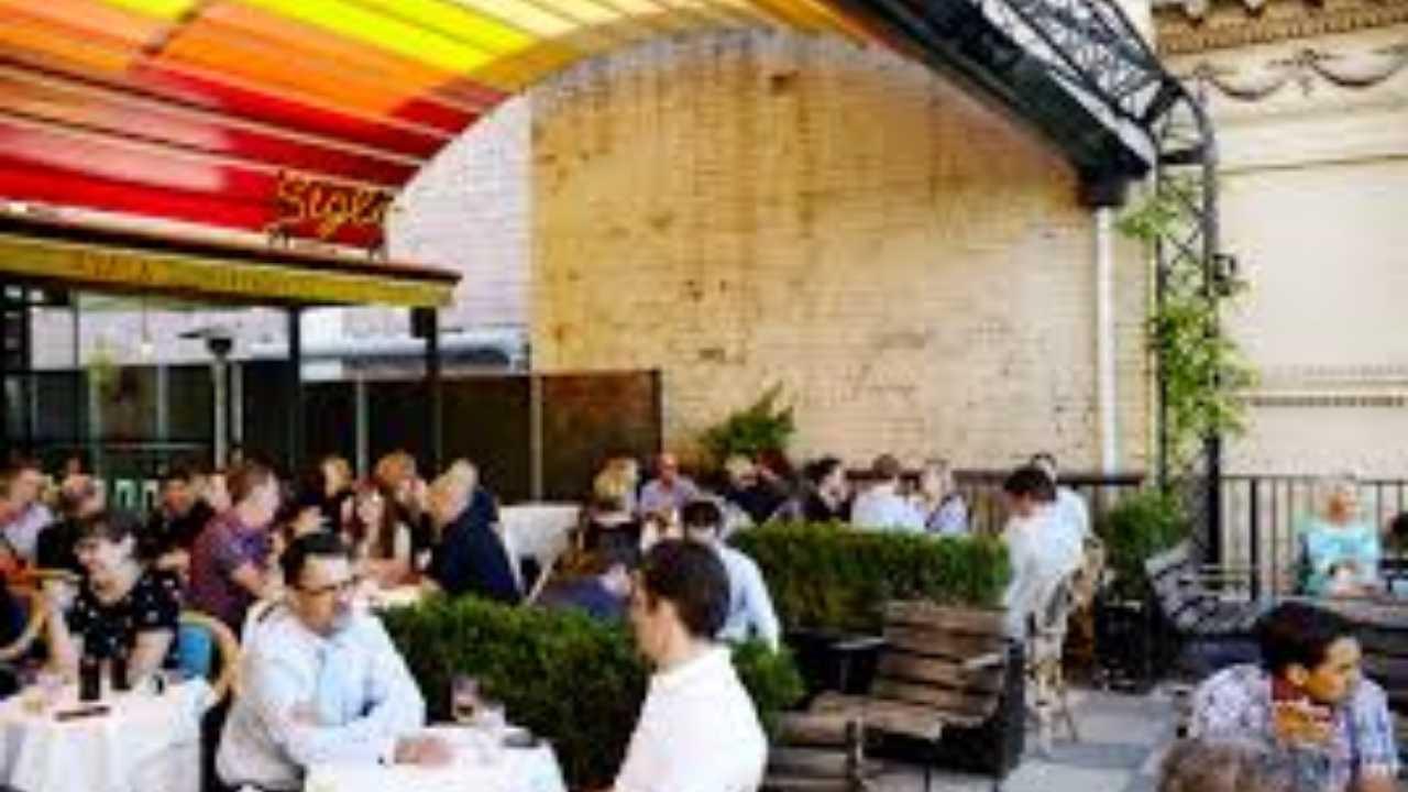 Melbourne Hangout Places